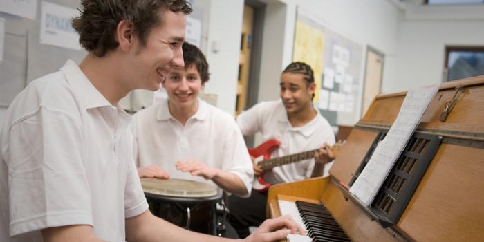 Suzuki Method Lessons on Keeping Music Students Engaged